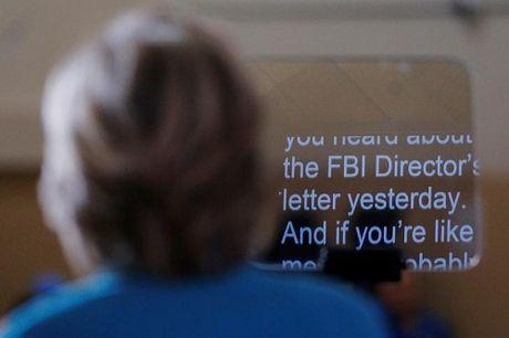 FBI dieu tra cac tai lieu gia mao nham ha be Hillary Clinton - Anh 1