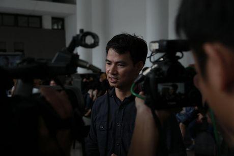 Roi nuoc mat voi hinh anh trong dam tang Pham Bang - Anh 16