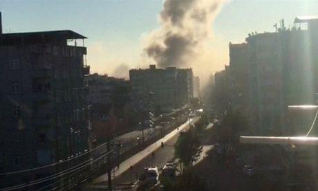 Tho Nhi Ky: No lon o Diyarbakir, hon 100 nguoi thuong vong - Anh 1