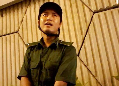 "Ke ""xin deu"" o ham Thu Thiem tung phoi hop CSGT phan luong - Anh 1"