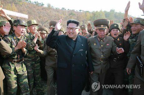 """Ong Kim Jong-un tham noi """"khac tinh gioi tinh hoa Han Quoc"""" - Anh 1"""