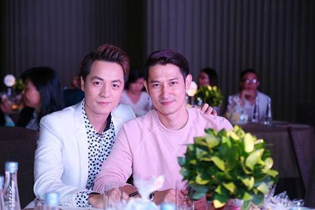Huy Khanh bo show, lan dau mang vo con len song truyen hinh - Anh 6