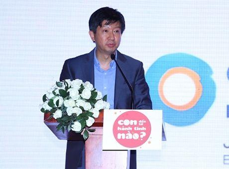 Huy Khanh bo show, lan dau mang vo con len song truyen hinh - Anh 7