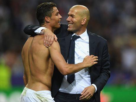 Real: Zidane so quyen luc cua Bale-Benzema-Ronaldo? - Anh 1