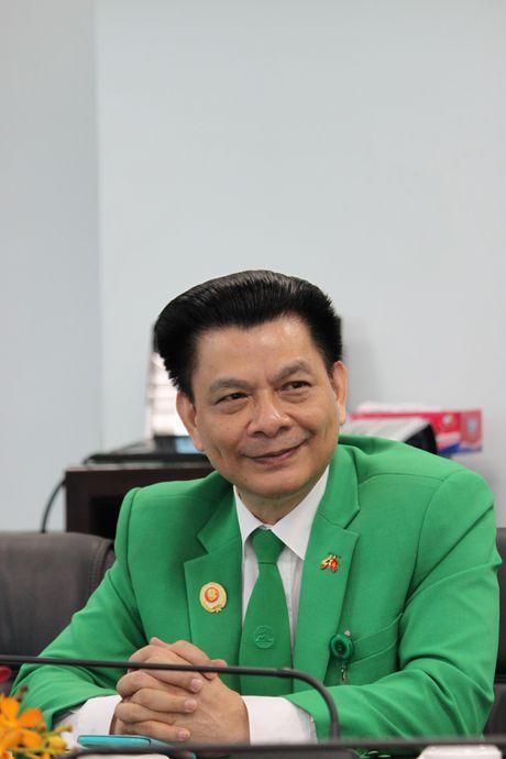 Chu tich Mai Linh Group: 'Doi dien va vuot qua thu thach la ban chat nguoi linh' - Anh 1