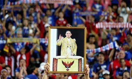 Thai Lan noi long lenh cam bong da o trong nuoc - Anh 1