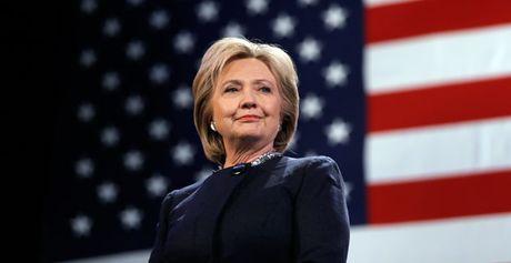 'Du vuong be boi email, Hillary van duoc yeu quy' - Anh 1