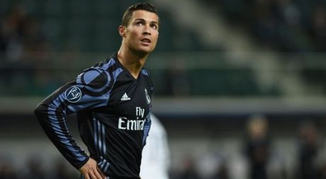 Thuyet am muu chong lai Cristiano Ronaldo - Anh 1