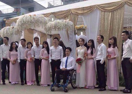 Co gai xinh 9X quyet cuoi chang trai ngoi xe lan o Thai Nguyen gay cam dong - Anh 4