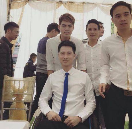 Co gai xinh 9X quyet cuoi chang trai ngoi xe lan o Thai Nguyen gay cam dong - Anh 7