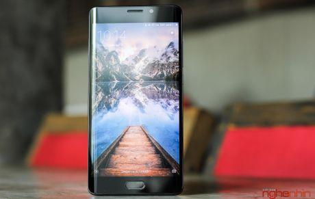 Tren tay Xiaomi Mi Note 2 ban Jet Black vua 'cap ben' - Anh 19