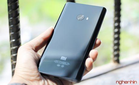 Tren tay Xiaomi Mi Note 2 ban Jet Black vua 'cap ben' - Anh 1