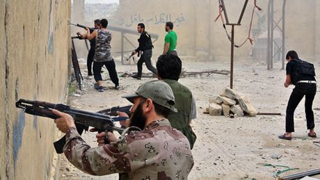 Phien quan Syria mo con duong mau de pha vong vay o Aleppo - Anh 1