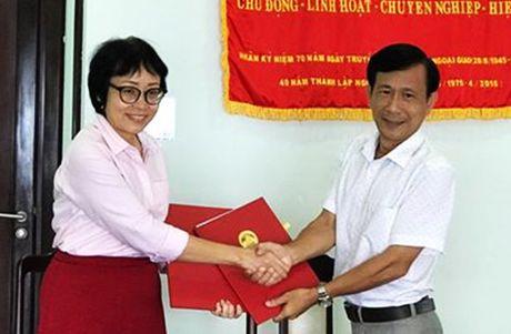 Gianh 150.000 USD cai thien cuoc song cho tre nhiem HIV tai Da Nang - Anh 1