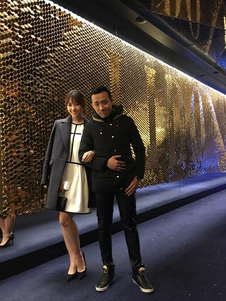 Tran Thanh om chat Hari o chau Au - Anh 4