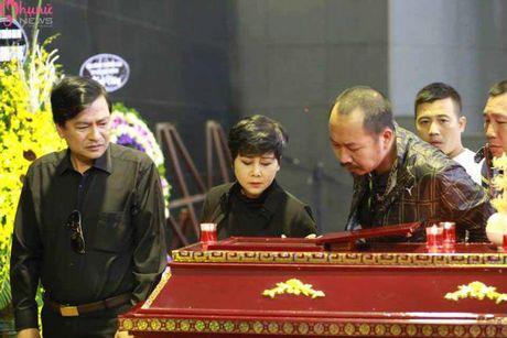 Le tang NSUT Pham Bang: Nhieu nghe si bat khoc trong le vieng - Anh 10