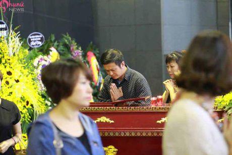 Le tang NSUT Pham Bang: Nhieu nghe si bat khoc trong le vieng - Anh 27