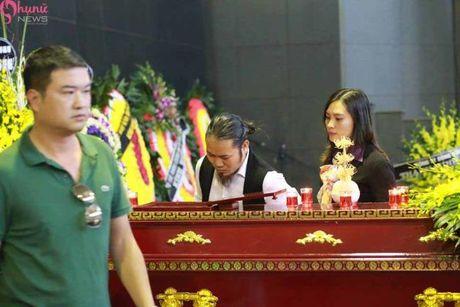 Le tang NSUT Pham Bang: Nhieu nghe si bat khoc trong le vieng - Anh 28