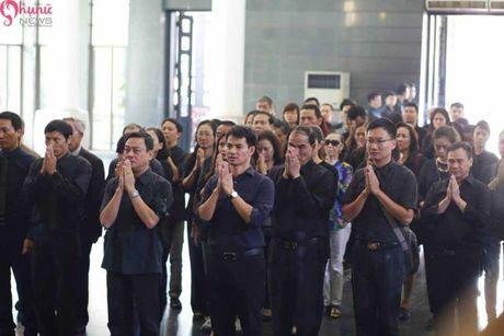 Le tang NSUT Pham Bang: Nhieu nghe si bat khoc trong le vieng - Anh 9