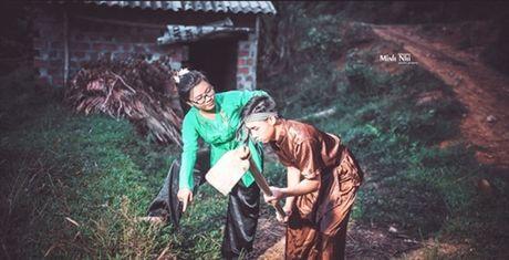 Doc dao bo anh cuoi cua cap doi tai hien canh Chi Pheo- Thi No - Anh 9