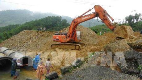 Quang Nam: Hoan thanh thi cong cau tam tren Quoc lo 40B - Anh 1