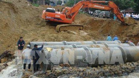 Quang Nam: Hoan thanh thi cong cau tam tren Quoc lo 40B - Anh 2
