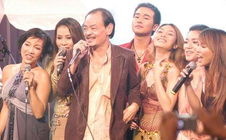 Nam 2016 - nam 'ra di' cua nhieu nghe sy Viet - Anh 5