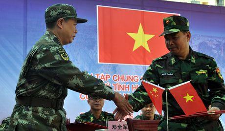 Bien phong Cua khau Viet Nam - Trung Quoc dien tap chong khung bo nam 2016 - Anh 4
