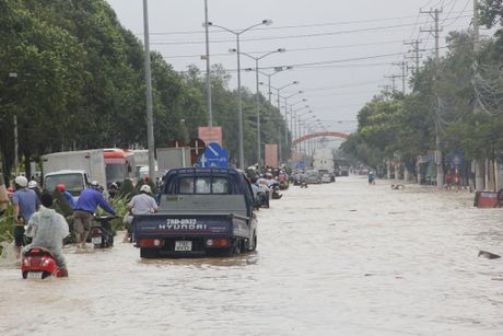 Nha Trang ngap nang khu vuc ngoai o - Anh 4