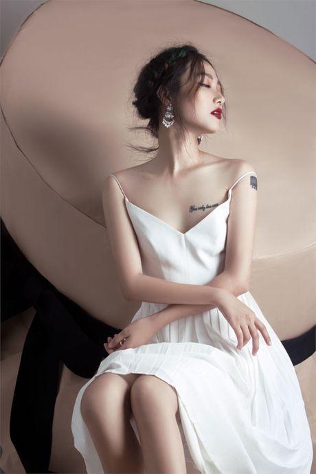 Quan quan Vietnam's Next Top Model Trang Khieu khoe em gai xinh nhu Chau Tan - Anh 2