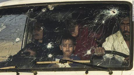 Quan Iraq giao tranh IS tren duong pho Mosul - Anh 3