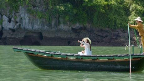 Vinh Ha Long dep lung linh trong tap dau tien cua 'Tuoi thanh xuan' 2 - Anh 2