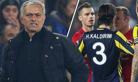 Cuoc tinh Mourinho vs MU: Bong toi so hai - Anh 1
