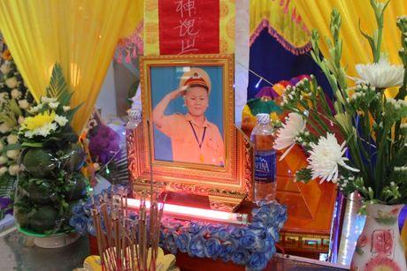 'Chu linh chi' mac ung thu van mo lam CSGT truoc luc mat - Anh 4