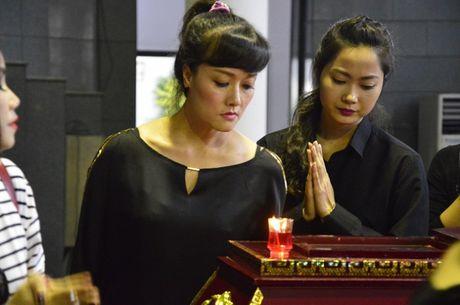 Dong dao sao Viet toi vieng nghe si Pham Bang - Anh 13
