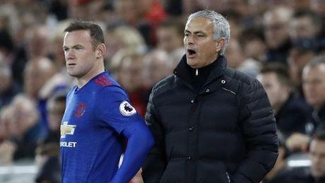 Mata, Rooney, Depay... dang tren duong roi Man United - Anh 2