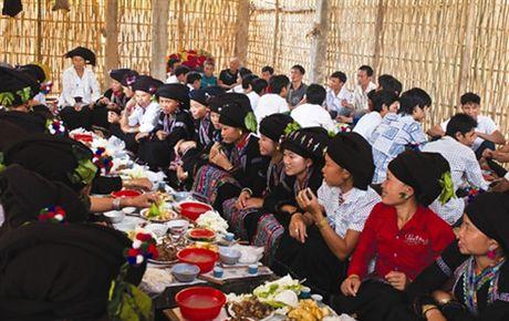 Le mung com moi cua nguoi Lu Lai Chau - Anh 1