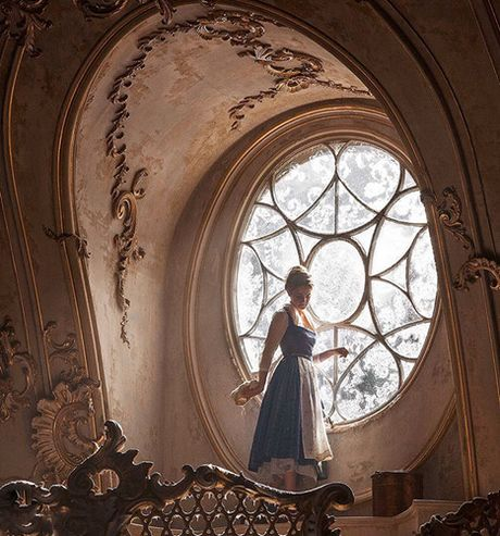 He lo hinh anh dau tien cua Emma Watson trong 'Nguoi dep va quai vat' - Anh 7