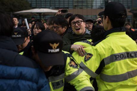Han Quoc trien khai hang nghin canh sat tai thu do Seoul - Anh 1