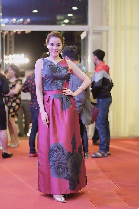 HH Giang My, Chi Pu vay voan mong tang pho nguc day - Anh 17