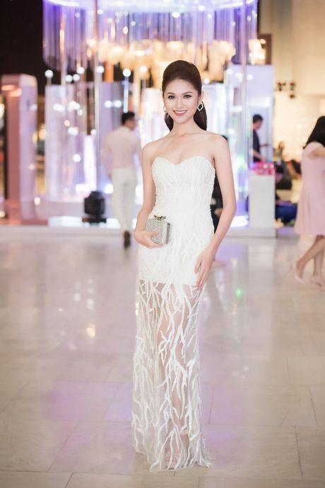 HH Giang My, Chi Pu vay voan mong tang pho nguc day - Anh 7