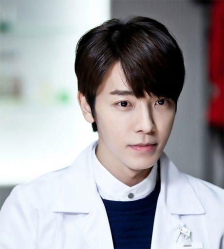 My nam Big Bang noi duoi 3 dan anh lam canh sat - Anh 12