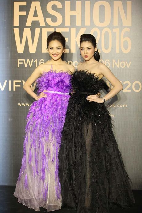 Dan hoa, a hau kieu sa tren tham do Vietnam International Fashion Week - Anh 7