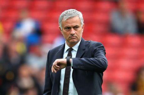 'Mourinho chi can vao Top 4 la du roi' - Anh 1