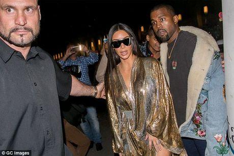Kim Kardashian sa thai ve si lau nam sau vu cuop o Paris - Anh 1