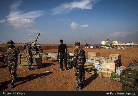 Quan doi Syria tan cong don dap khung bo tai Aleppo - Anh 5