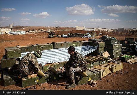 Quan doi Syria tan cong don dap khung bo tai Aleppo - Anh 6