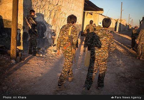 Quan doi Syria tan cong don dap khung bo tai Aleppo - Anh 9