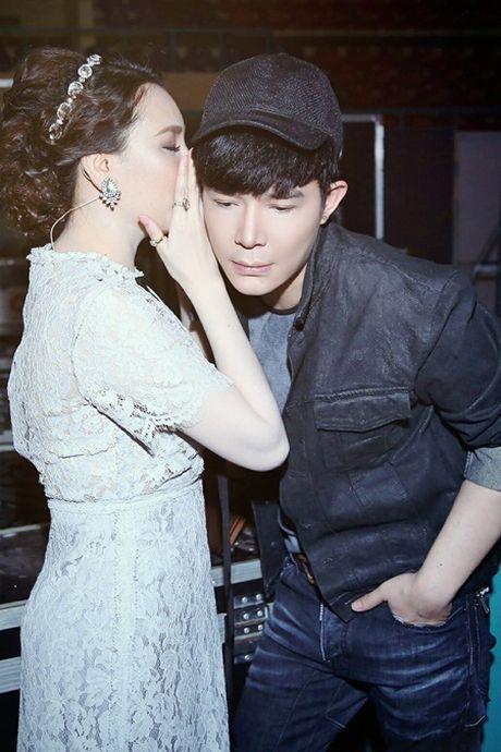 Nathan Lee, Ho Quynh Huong bat ngo lam liveshow mien phi cho hon 3000 sinh vien - Anh 2