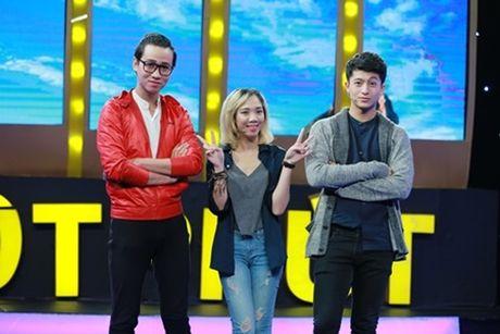 Harry Lu don tim khan gia vi khoe giong hat cuc ngot trong gameshow - Anh 1